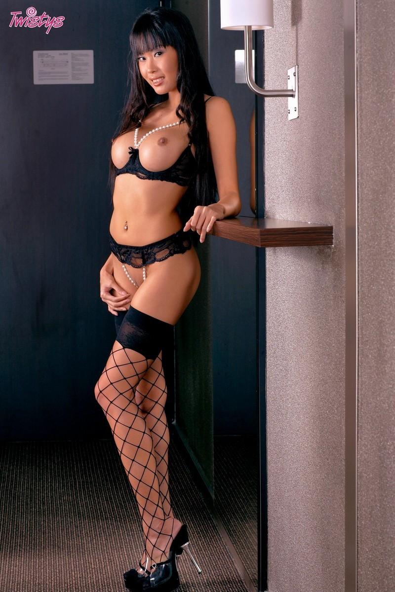 Сексуалние азиятки эротитические фото 6 фотография