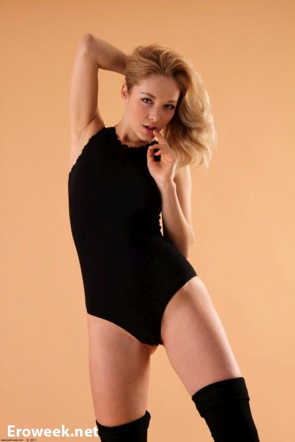 блондинка talia эротика фотосессия