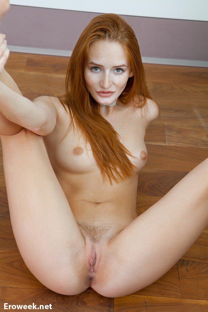 Denisa Nude 36