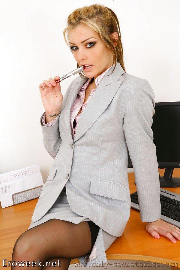 Секретарши в шортах фото 424-345