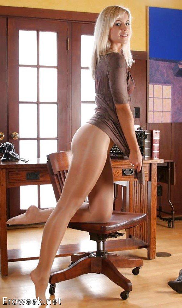 Порно фото ножек девушек в колготках роскошном