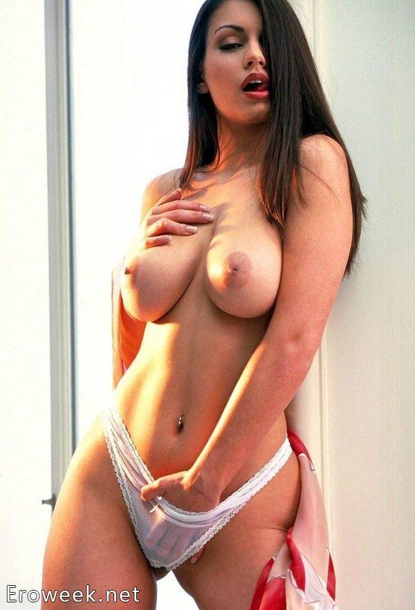 Сиськи красивой девушки, секс в мужской зоне