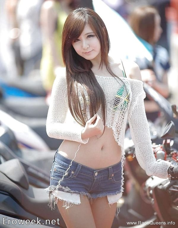 Голые азиатки фото  девушки обнаженные