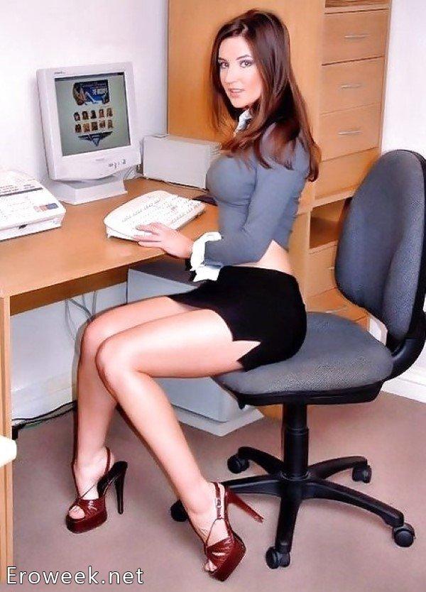 krasivaya-telka-v-ofise