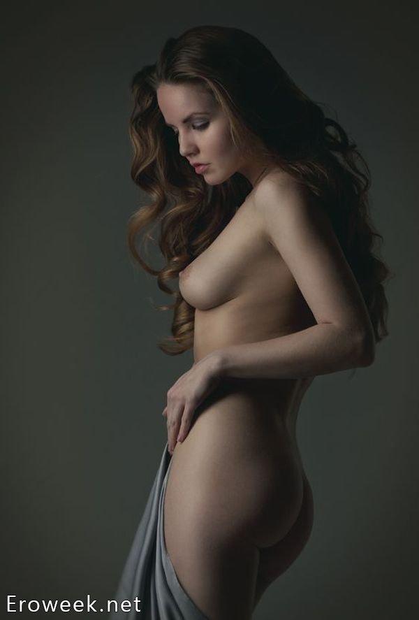neobichnie-zhenskie-grudi-erotika
