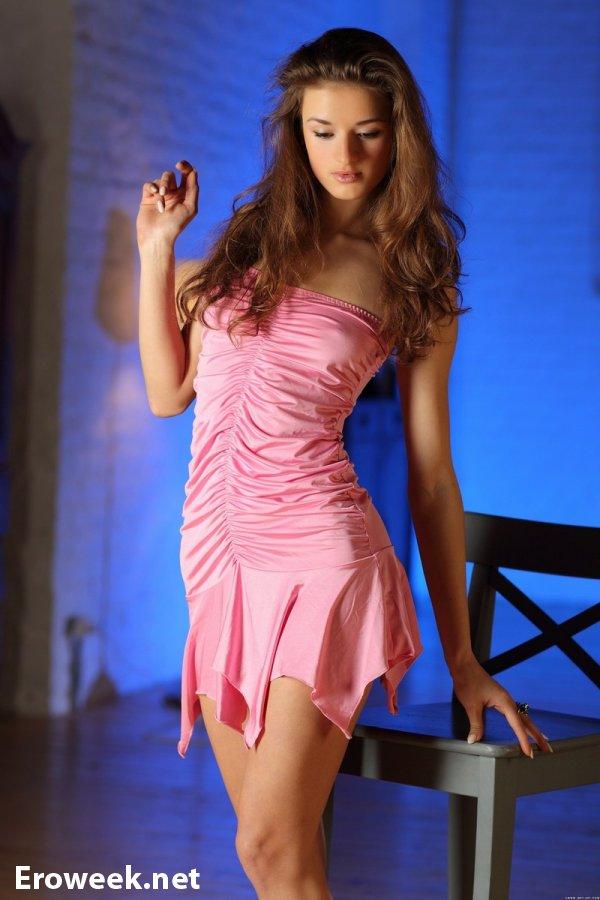 Грация тела модели Elina (18 фото)