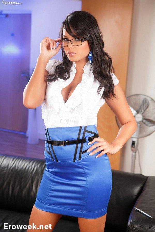 Сексуальная секретарша Sasha Cane (18 фото)