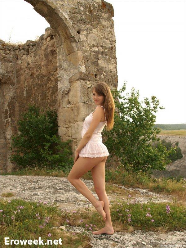 Maya очутилась в Крымских горах (18 фото)