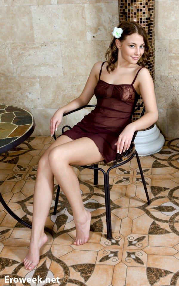 Nikia A и её забавы в бане (16 фото)