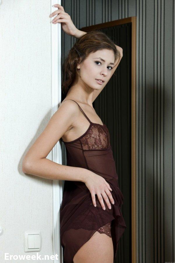 Природное обаяние молодой девушки Irina (18 фото)