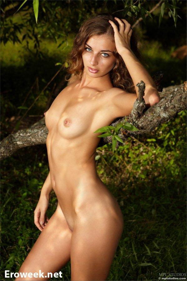 Красивая природа на интимных кадрах Sasha (20 фото)