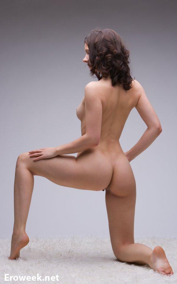 НЮ фото с начинающей моделью Nicolete (10 фото)