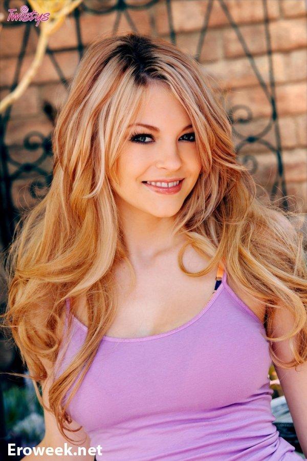 Улыбчивая красотка Bree Daniels (10 фото)