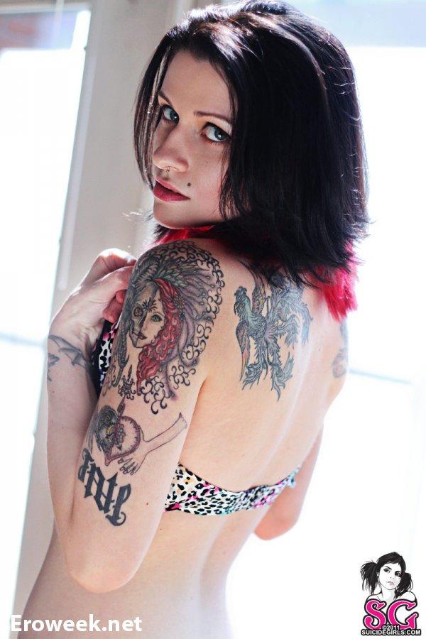 Эротика татуированного тела Heathen (30 фото)