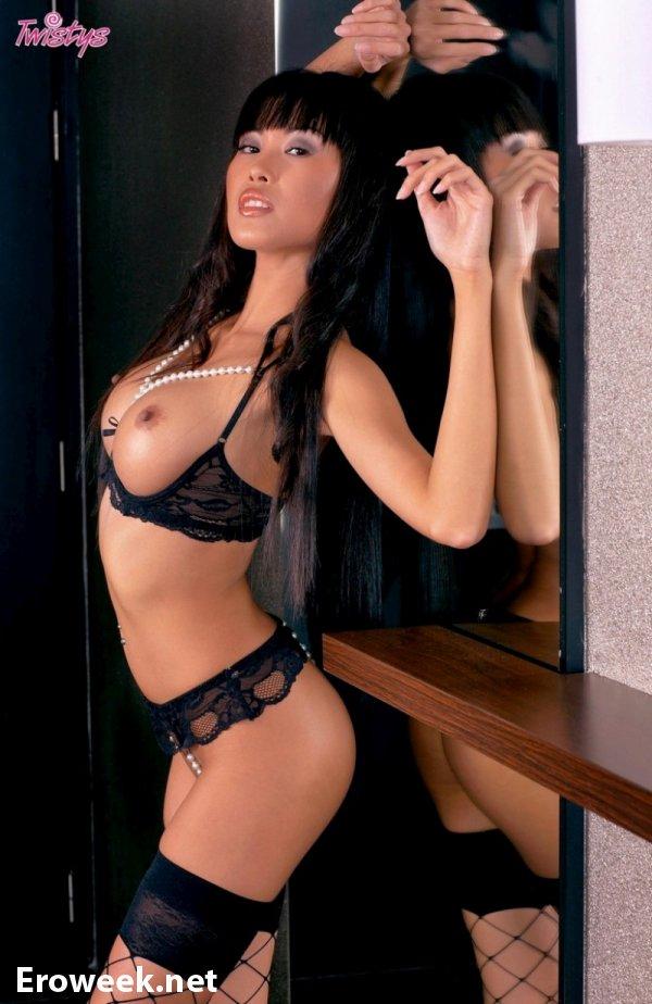 Сексуальная азиатка Beverli (10 фото)