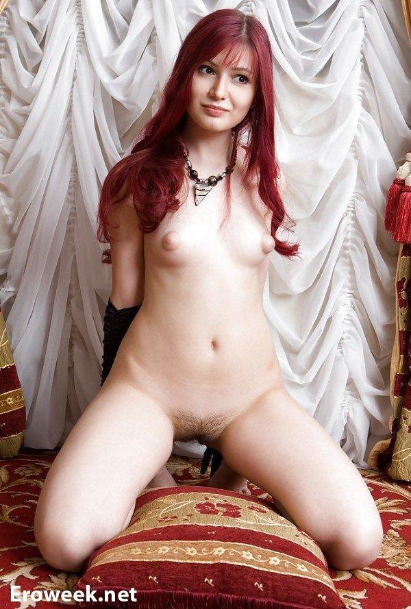 Рыжие девушки на эротических кадрах (50 фото)