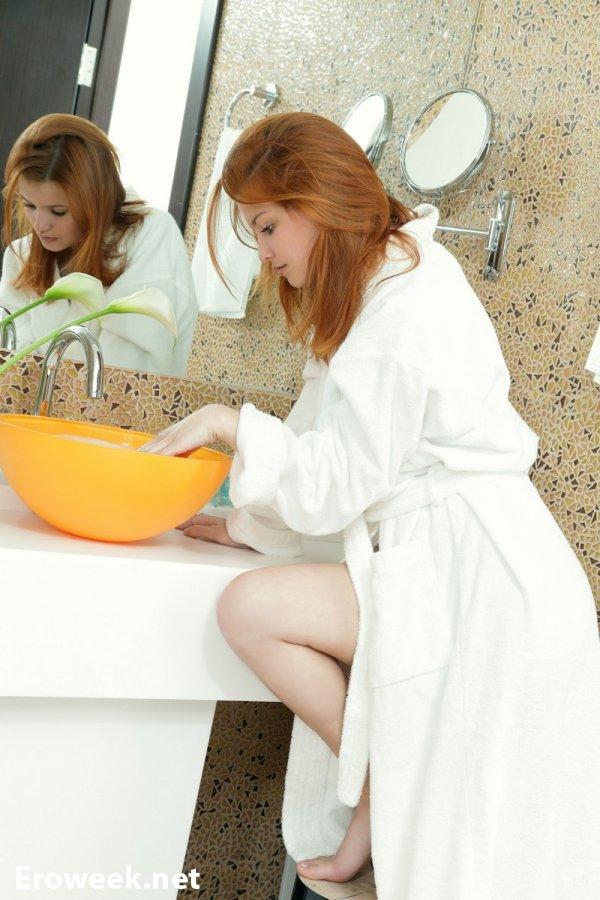 Легкий разврат Violla в помещении ванной (20 фото)