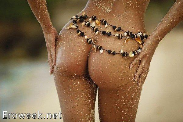 Упругие попки симпатичных девушек (50 фото)