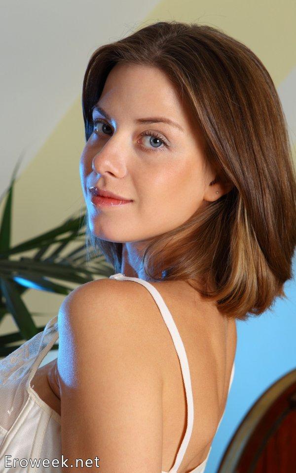 Anita в роли музы для фотографа эротики (14 фото)
