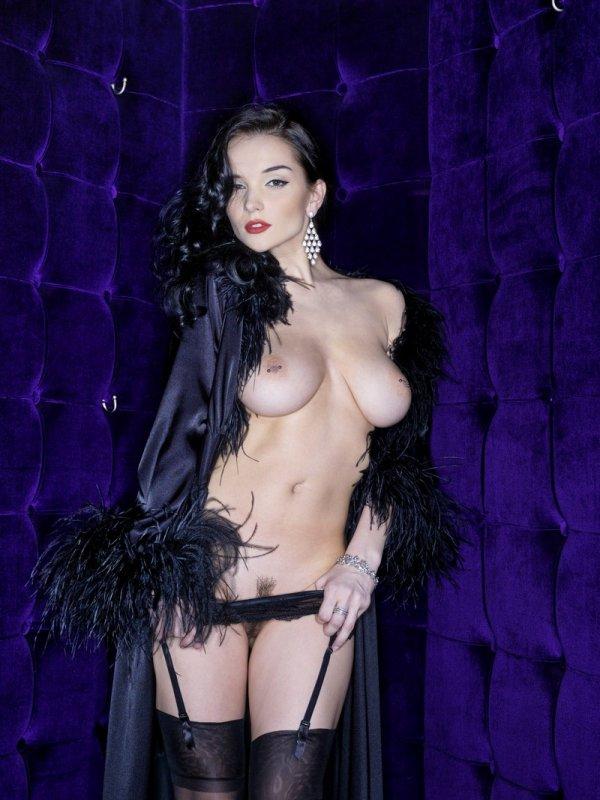 Супер горячая Jenya в эротике на гламурной тусовке (14 фото)