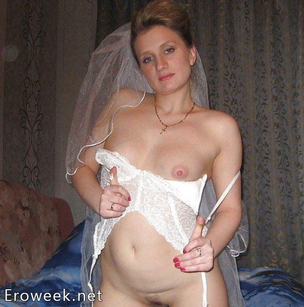 Голые невесты в любительской эротике (40 фото)
