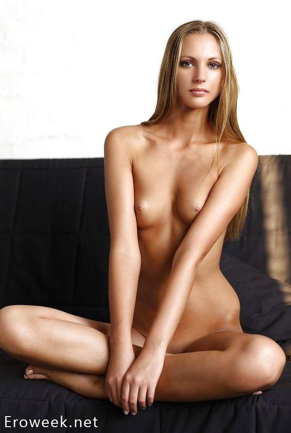 Голые русские девушки (50 фото)