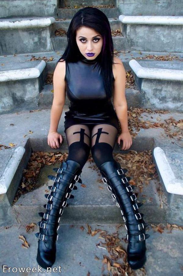 Эротичные женщины-вамп (35 фото)