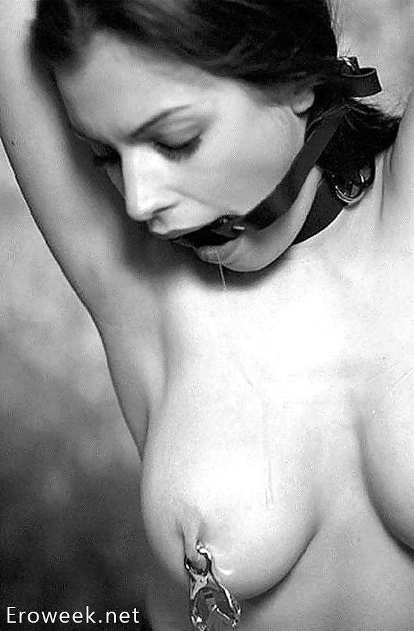 Черно-белое BDSM (20 фото)