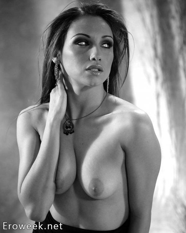 Фото бесстыжих моделей в черно-белом стиле (30 фото)