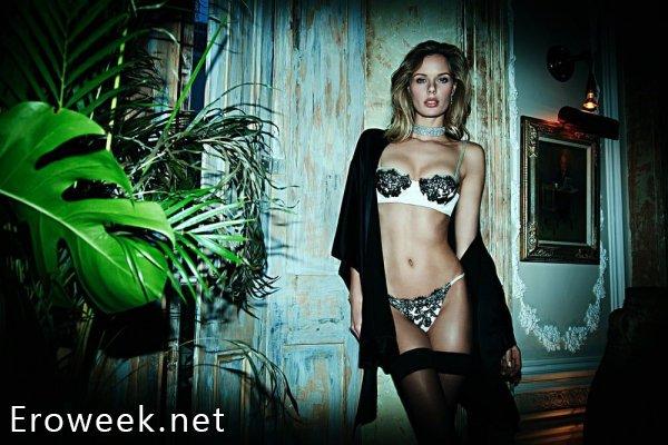Эротические модели в чулках (40 фото)