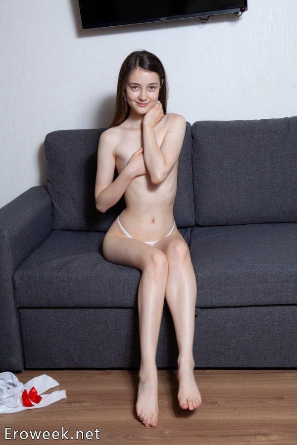 Девственная Alissa (Анна Власова) (25 фото)
