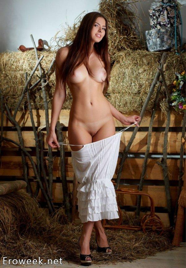 Деревенские голые бабы (30 фото)