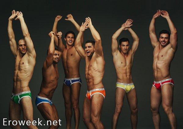 Эротические фото парней в трусах (30 фото)