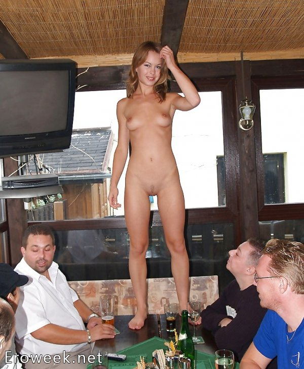 Пьяные и отковенные девки (30 фото)